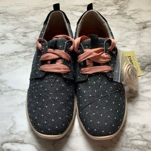 NWT Toms Del Ray Sneakers